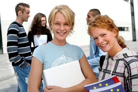 Girare il mondo con Erasmus per studenti ed insegnanti