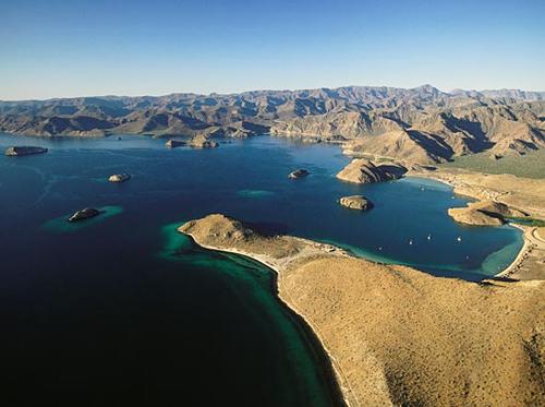 Tutti in vacanza verso Baja California