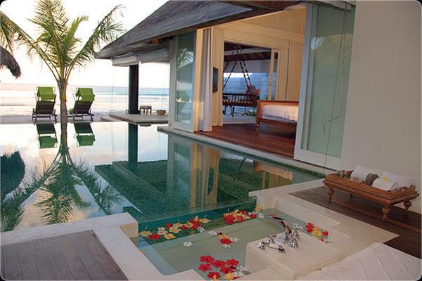 Due hotel alle Maldive dove trovare lusso, relax e felicità