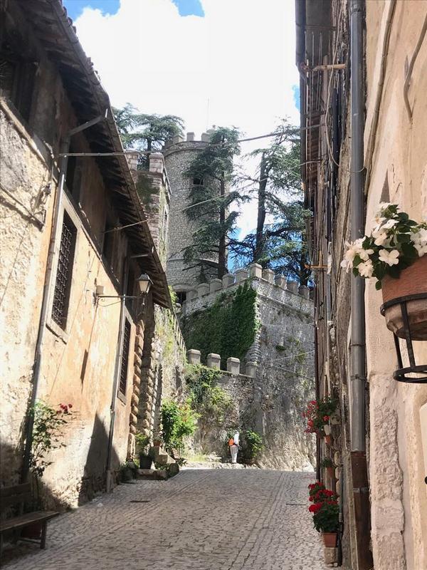 """Salviamo i tesori e la storia di Orvinio votandolo al concorso """"I Luoghi del Cuore"""" FAI"""