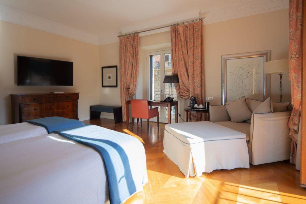 Luxe Rose Garden Hotel Roma camera