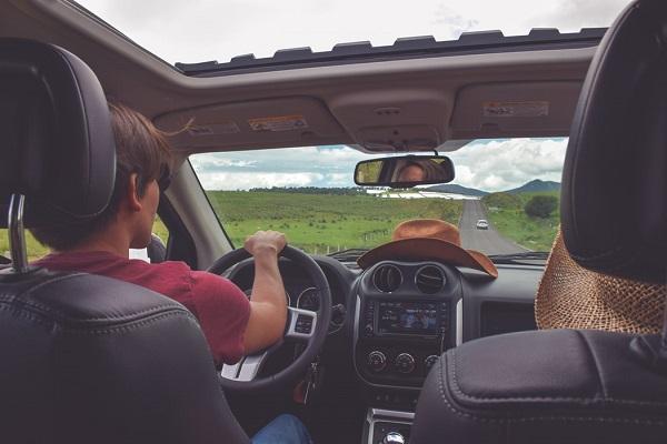 consigli per viaggiare in auto