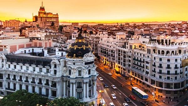 Viaggi all'estero, Spagna meta più ambita