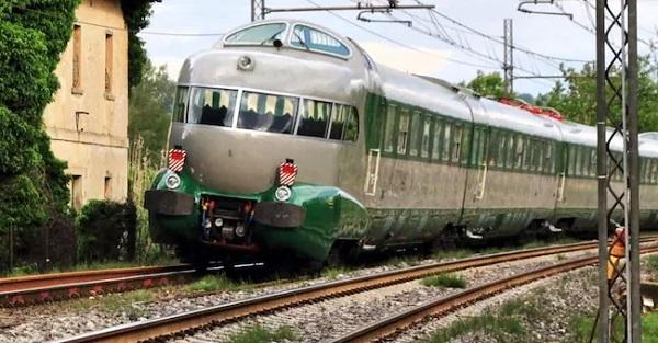 Treno Arlecchino, un viaggio (prenotabile) nel passato